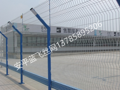 折弯护栏网-5.jpg