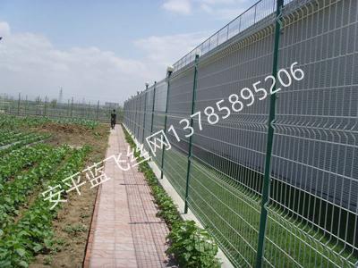 折弯护栏网-6.jpg