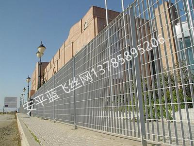 钢格板护栏-1.jpg